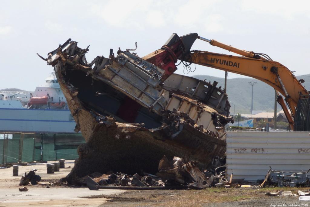 [Autre sujet Marine Nationale] Démantèlement, déconstruction des navires - TOME 2 - Page 4 T_goro11