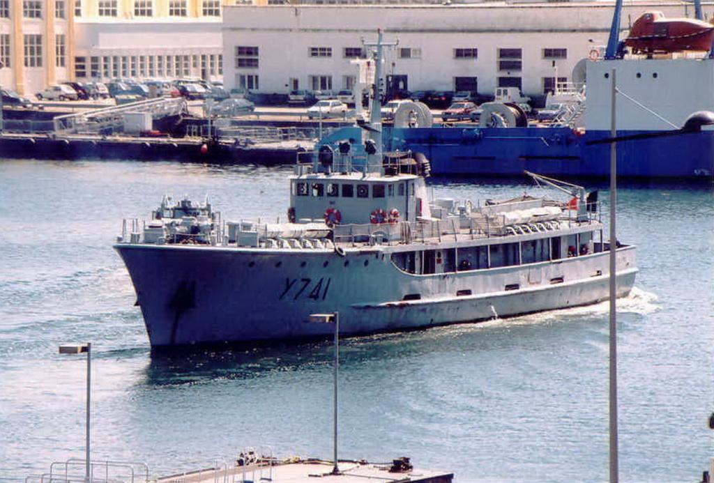 [ Marins des ports ] Les transrades de Brest - Page 2 Y_741_11