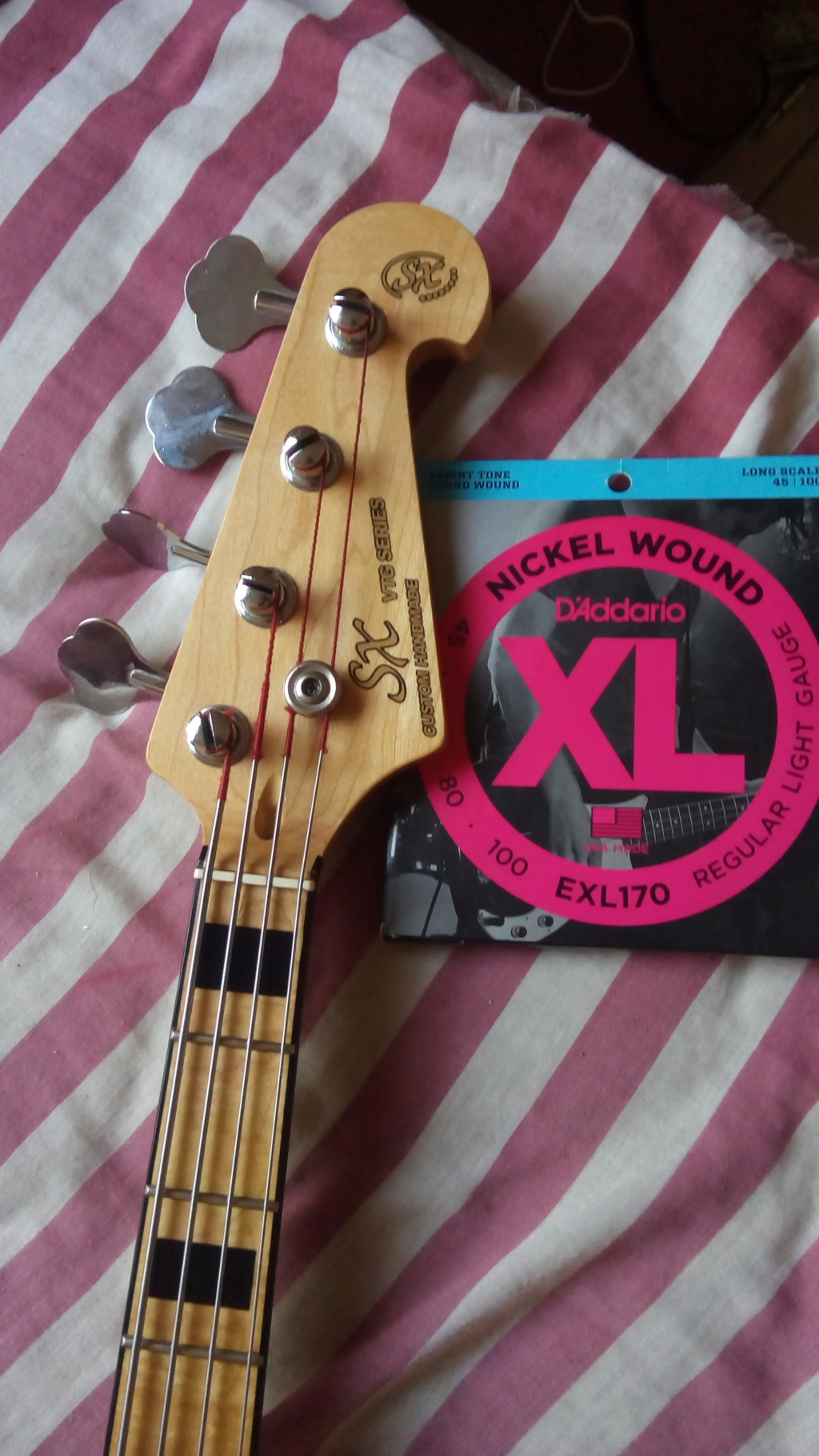 SX Sjb75 - Jazz Bass - R$1.200,00 - VENDIDO! Img_2016