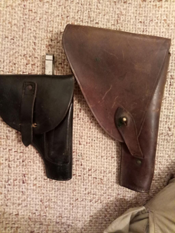 Trouvés holsters WW2 ww1 cuir ou xix ème siècle. Img_2023
