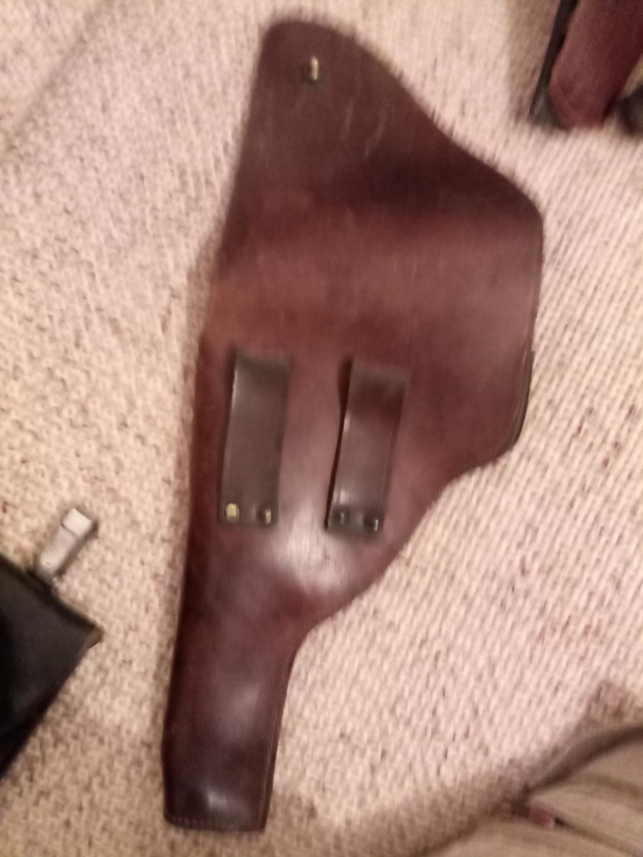identification holster cuir ww2 ou ww1. Img_2046