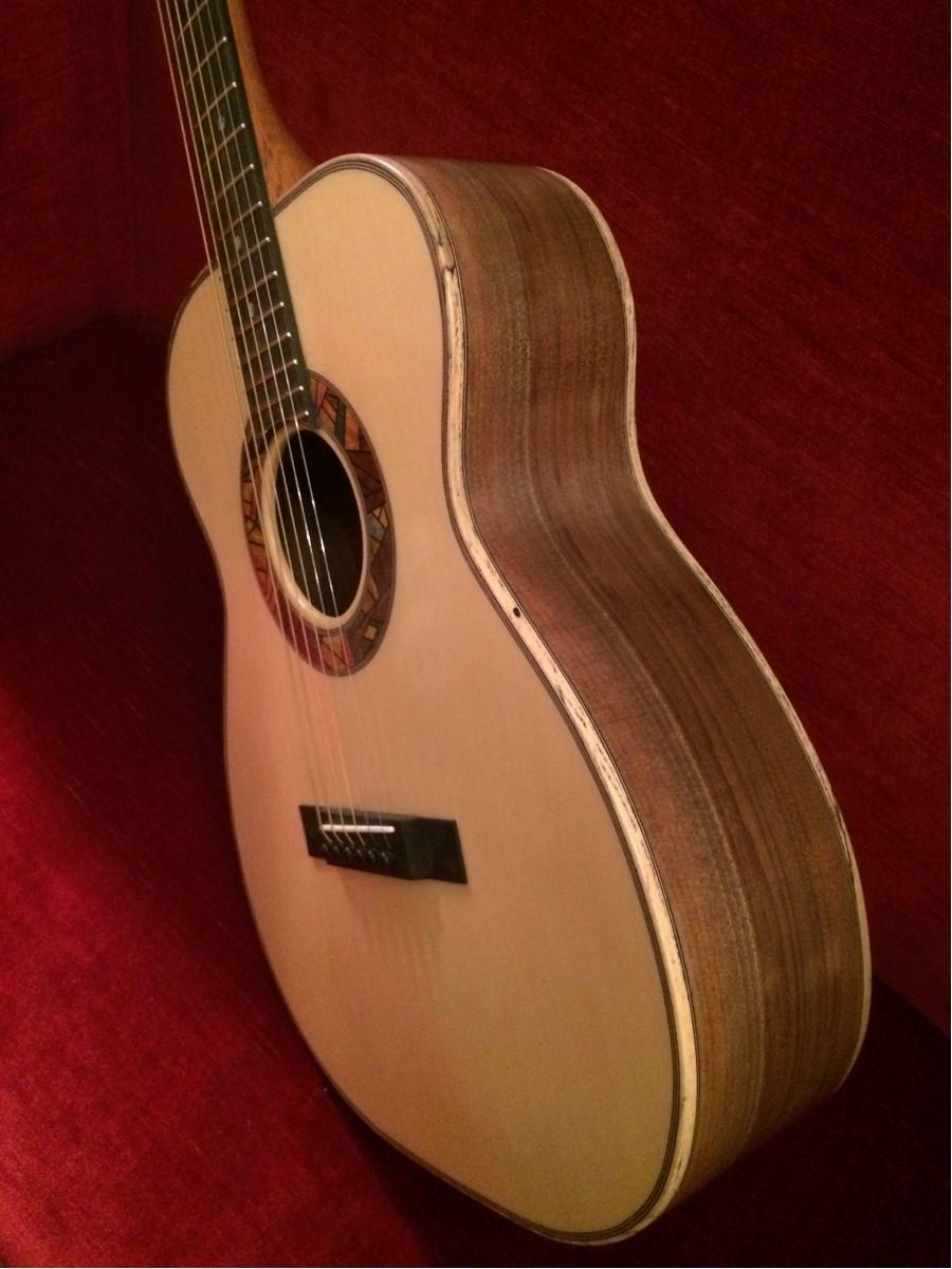 Om Noyer/Cédre Jaune du luthier Sébastien Francisco 53159211