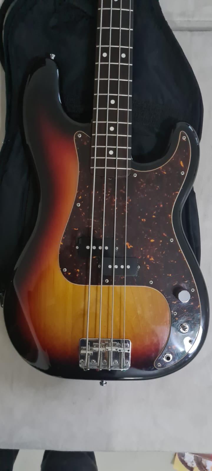 Fender Precision Bass Reissue 62 CIJ (2004)  Bf743411