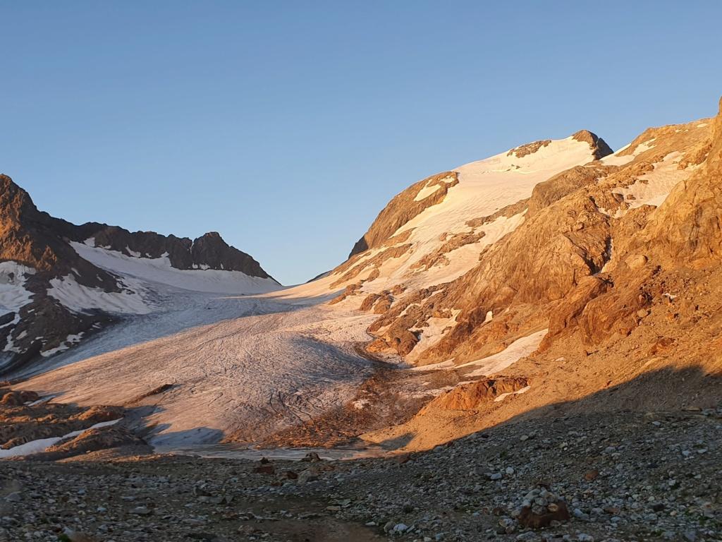l'Etendard entre Isére et Savoie. 20210836