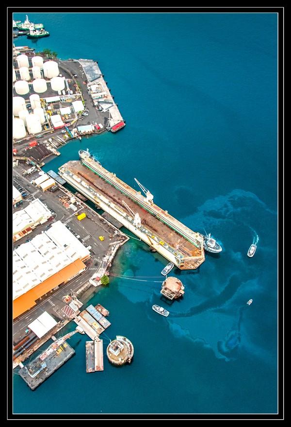A propos du convoyage du dock de Mers el-Kébir à Papeete - Page 2 2012mp21