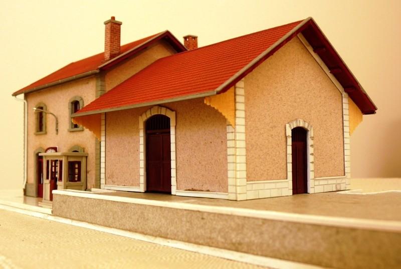 Gare MIDI chez Faller !! 190605 Gare de Aubance Gare_m11
