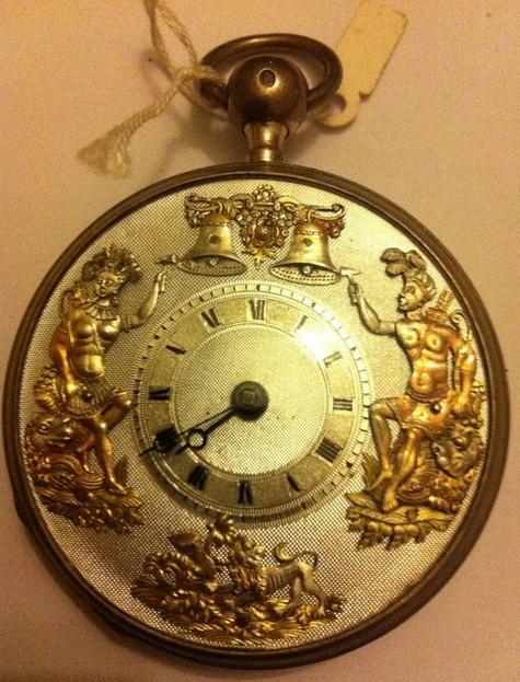 Important : comment reconnaître les fausses montres à automates ! Automa10