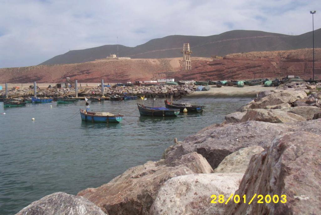 [Maroc/Histoire, Accueil...] HIstoire du téléphérique abandonne de Sidi Ifni Photo_11