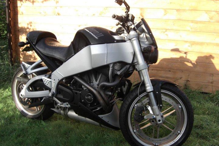 [Edouard] Black XB9S 2003 Cimg2910