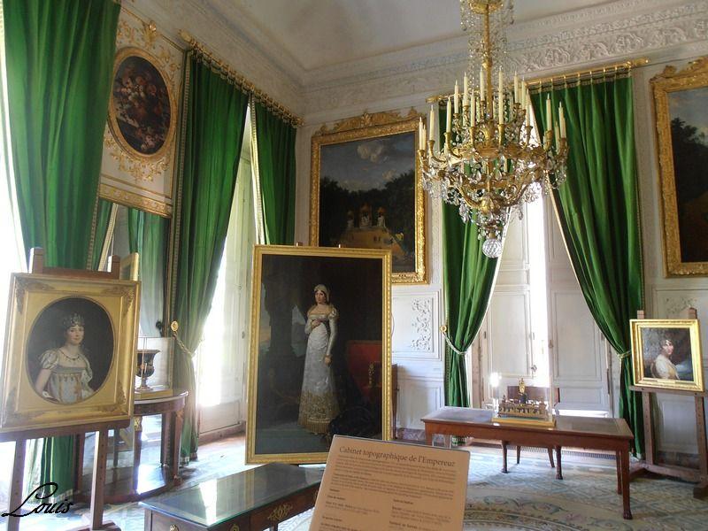 """Exposition """"Les Dames de Trianon"""" -juillet-octobre 2012 P7010421"""