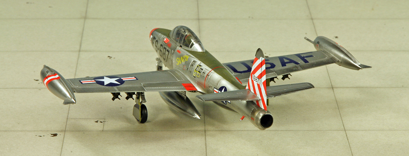 "Republic F-84 E ""Thunderjet"" [1:72 - HobbyBoss] Img_9973"