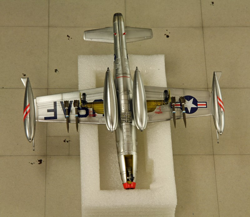 "Republic F-84 E ""Thunderjet"" [1:72 - HobbyBoss] Img_9976"