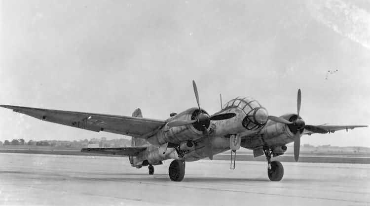 "Junkers Ju-388 L-1 ""Störtebeker"", Mai 1945.... (1:72 - Special Hobby) Ju388-12"
