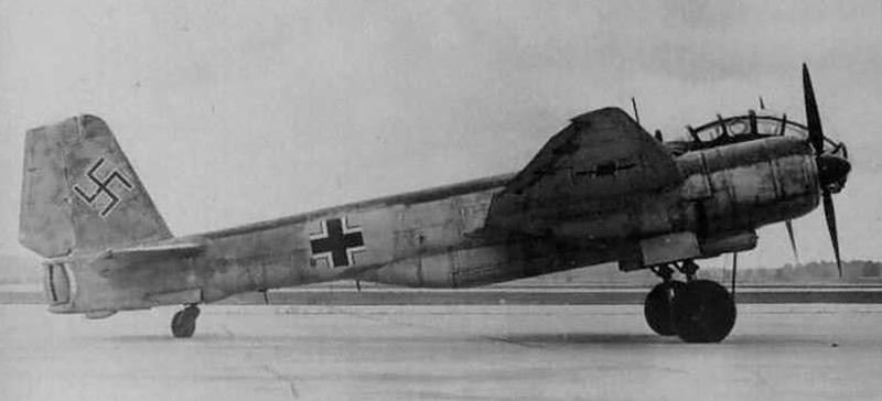 "Junkers Ju-388 L-1 ""Störtebeker"", Mai 1945.... (1:72 - Special Hobby) Ju388-13"