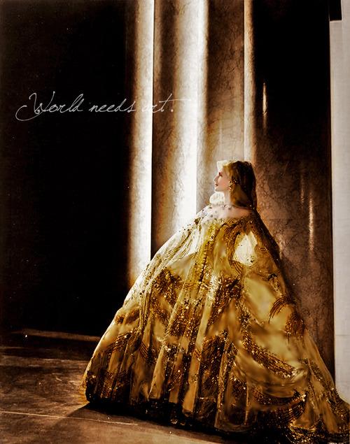 Marie Antoinette avec Norma Shearer (Van Dyke) - Page 4 Manorm10