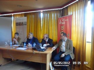 Pomakların kimlik sorunu Smolyan'da foruma taşındı. Acilis11