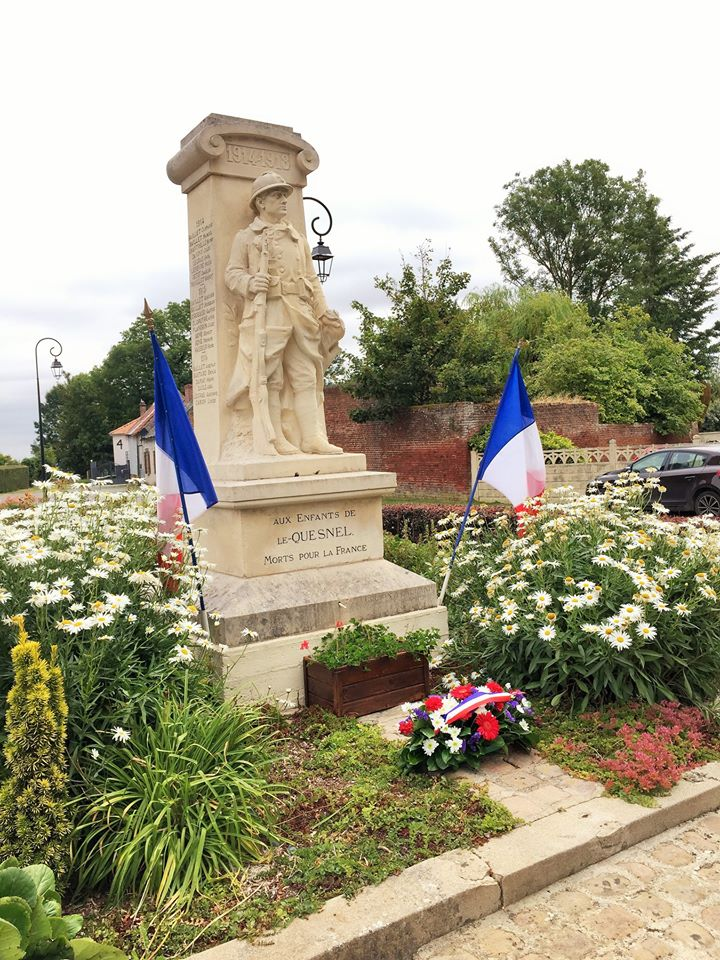 le MONUMENT AUX MORTS 10990510