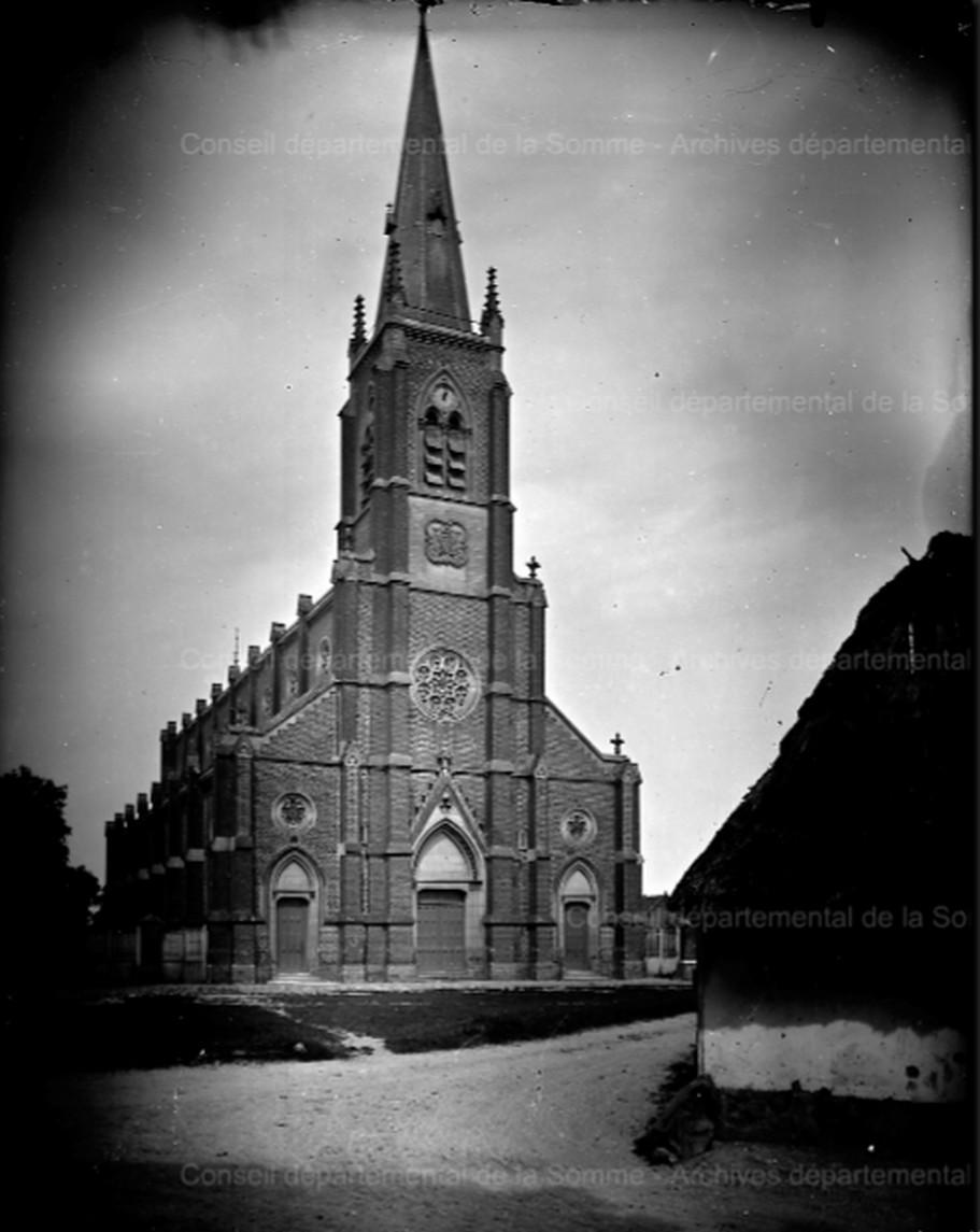 L'EGLISE de Le Quesnel : église Saint léger. 1900_110