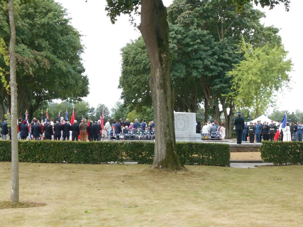08 aout 2018 : commémoration cimetière canadien LE QUESNEL Dscn1113