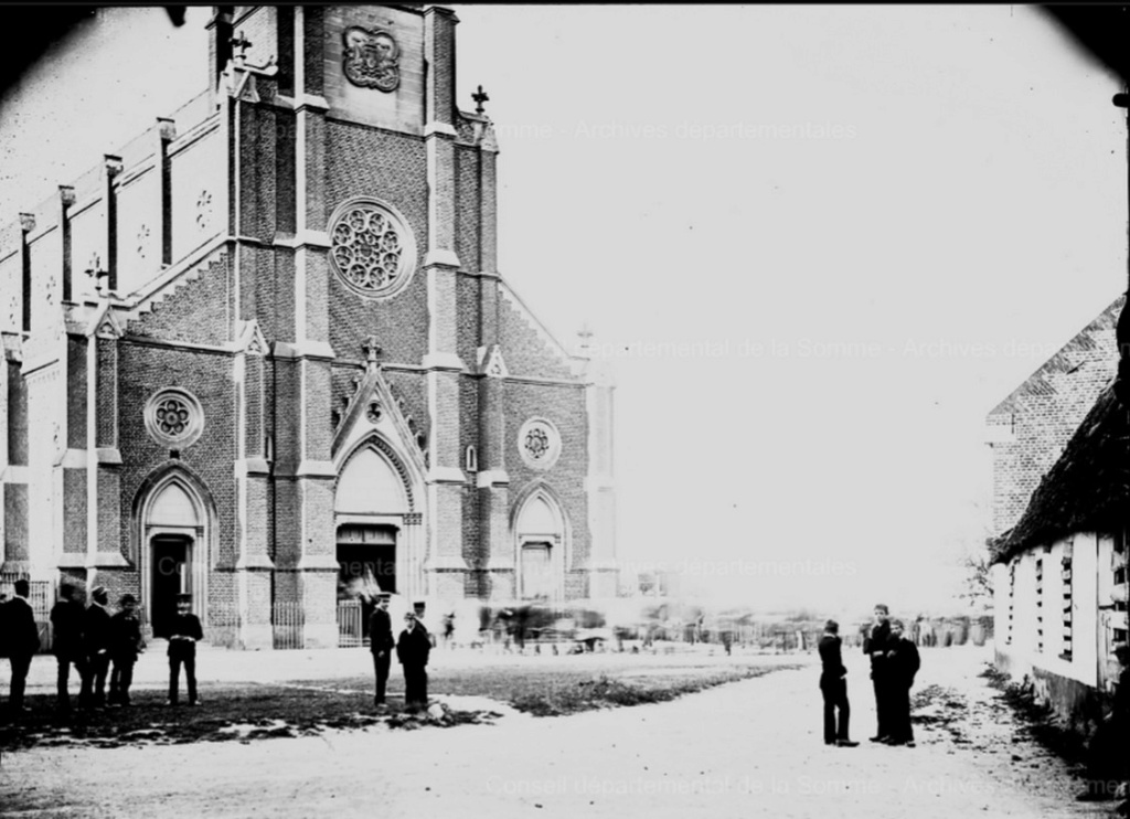 L'EGLISE de Le Quesnel : église Saint léger. Eglise11