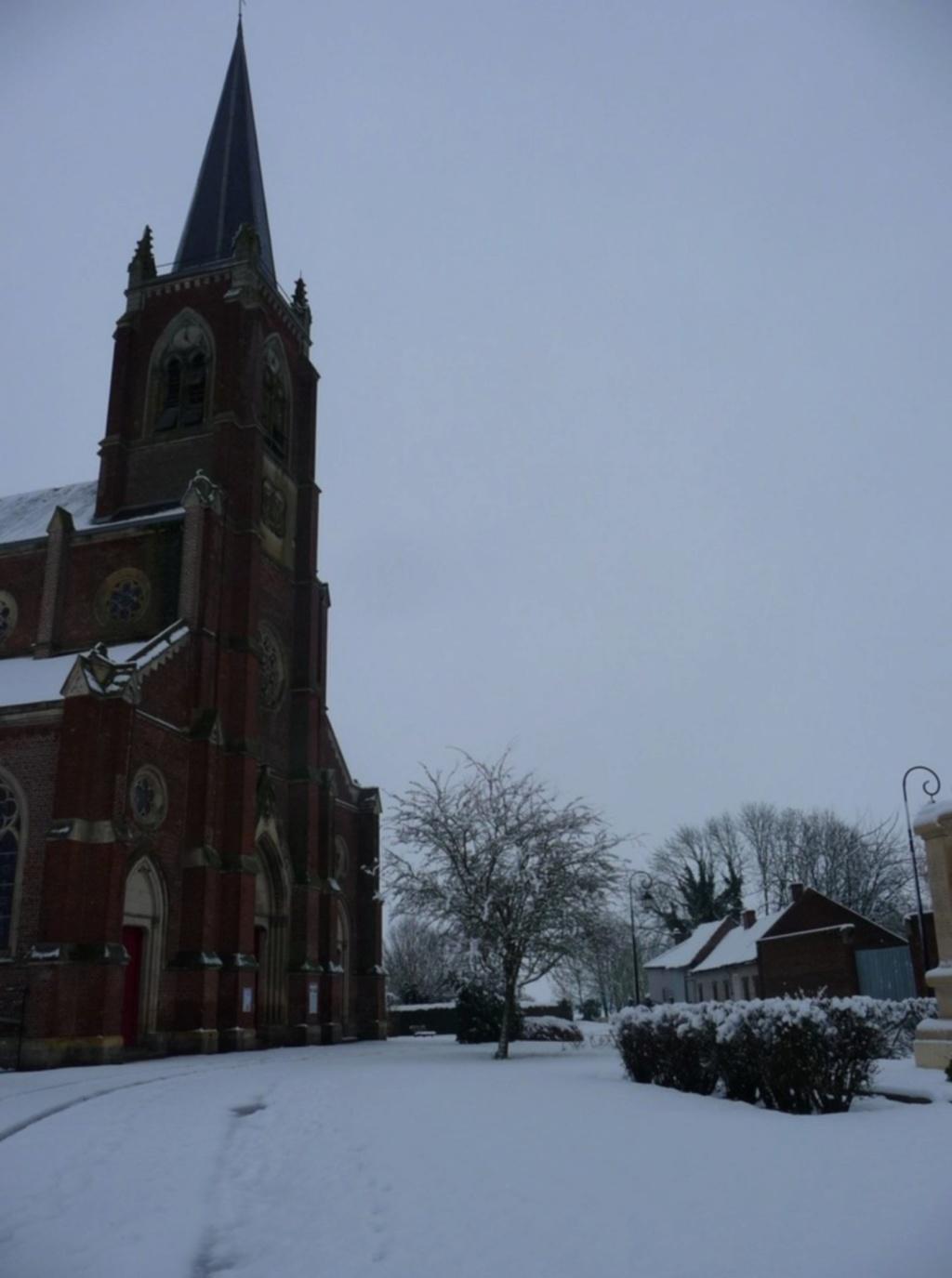 L'EGLISE de Le Quesnel : église Saint léger. Sans_t36