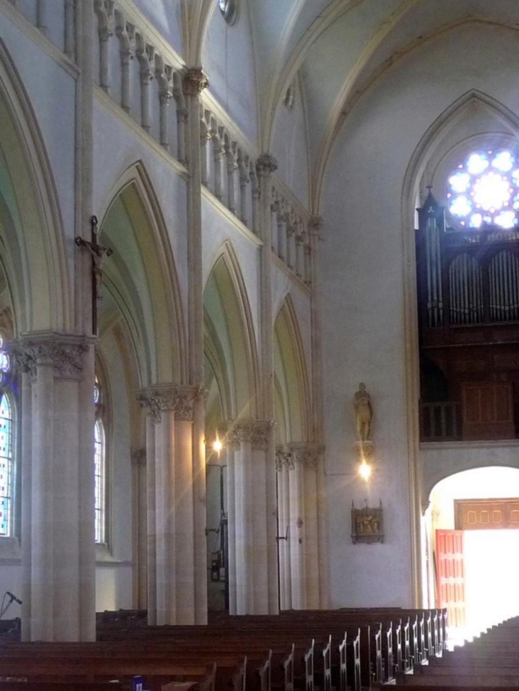 L'EGLISE de Le Quesnel : église Saint léger. Sans_t40