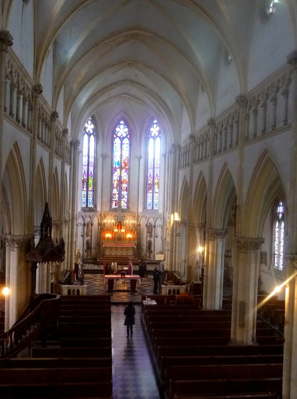 L'EGLISE de Le Quesnel : église Saint léger. Sans_t41