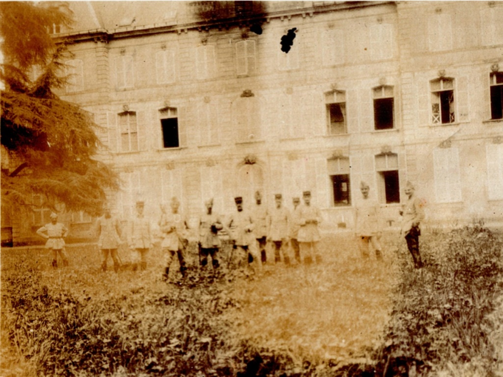 le CHATEAU : photos, cartes postales anciennes et photos actuelles Sans_t43