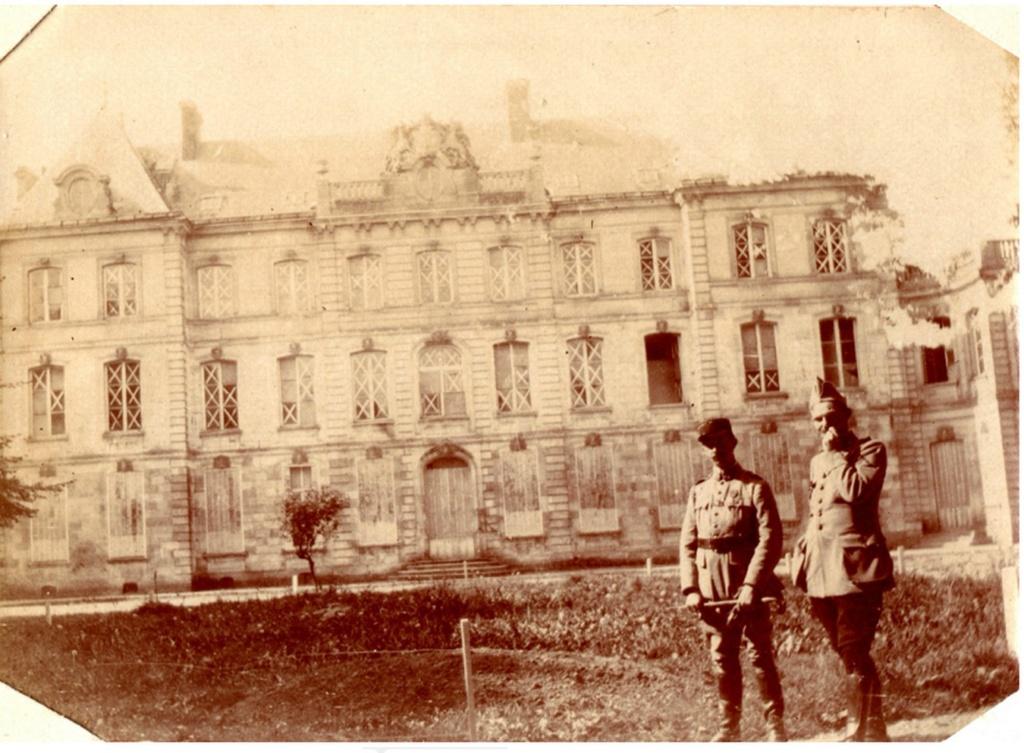 le CHATEAU : photos, cartes postales anciennes et photos actuelles Sans_t44