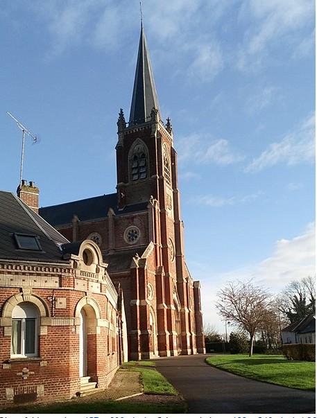 L'EGLISE de Le Quesnel : église Saint léger. Sans_t72