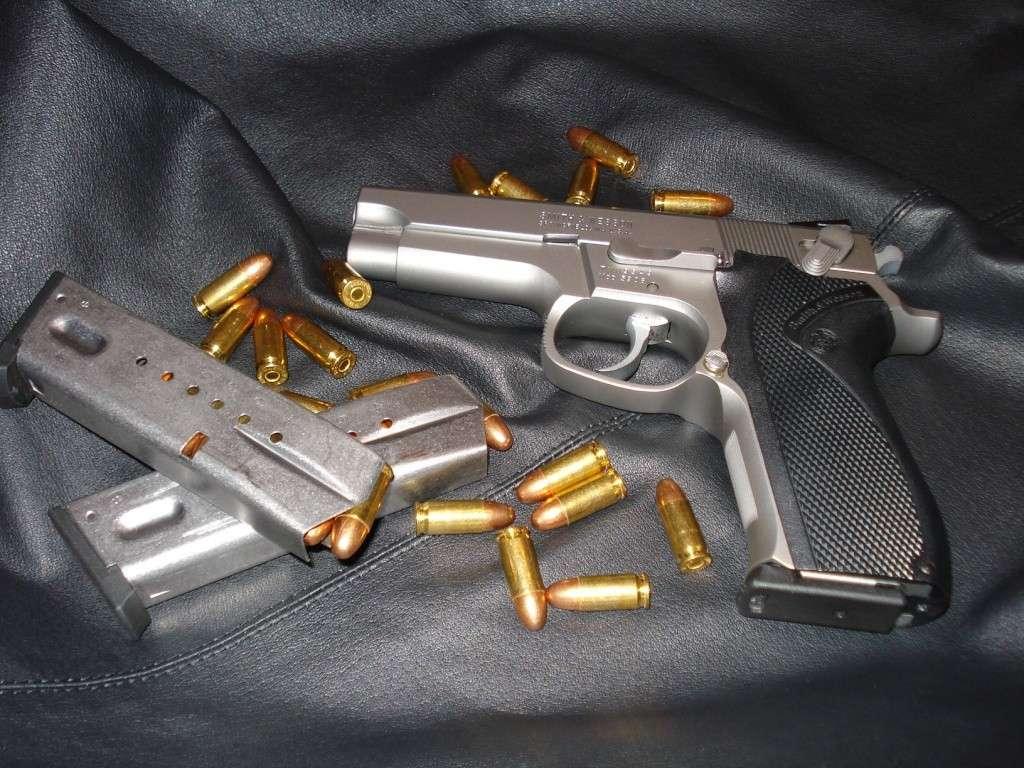 Smith&Wesson 5906 Dsc00436