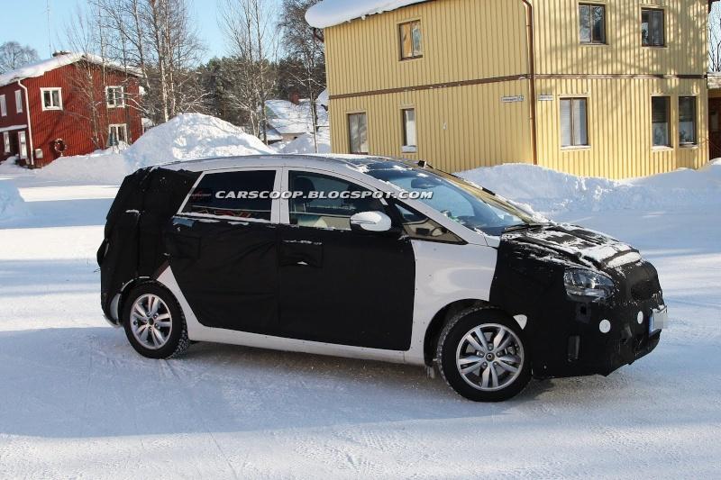 2012 - [KIA] Carens III Kia-ce11