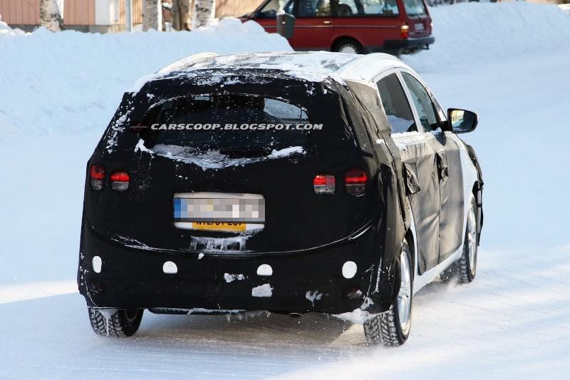 2012 - [KIA] Carens III Kia-ce15