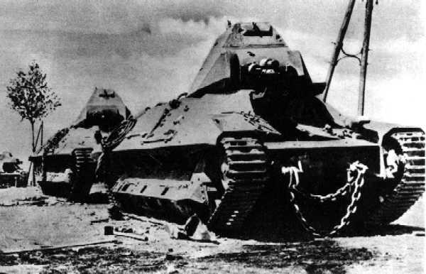 Vehiculos y Tanques capturados por los Alemanes 7fcm3610