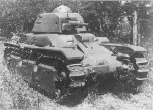 Vehiculos y Tanques capturados por los Alemanes Amx_r411