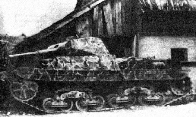 Vehiculos y Tanques capturados por los Alemanes Carro_15