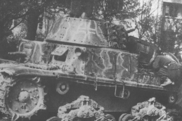 Vehiculos y Tanques capturados por los Alemanes Carro_16