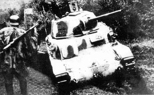 Vehiculos y Tanques capturados por los Alemanes Carro_17