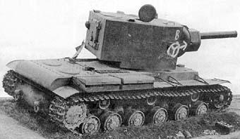 Vehiculos y Tanques capturados por los Alemanes Kv-2-010
