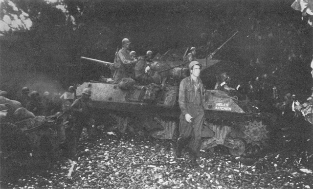 Vehiculos y Tanques capturados por los Alemanes M1011