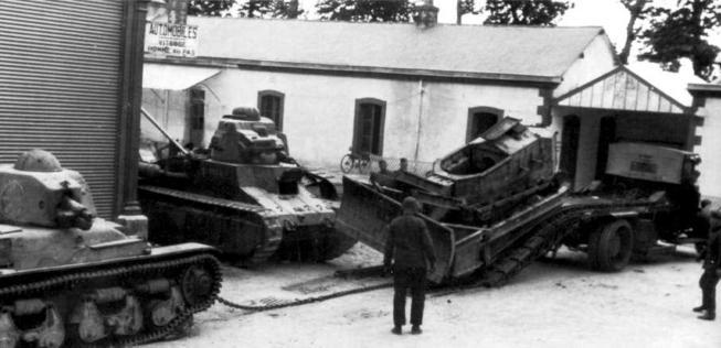 Vehiculos y Tanques capturados por los Alemanes Renaul13