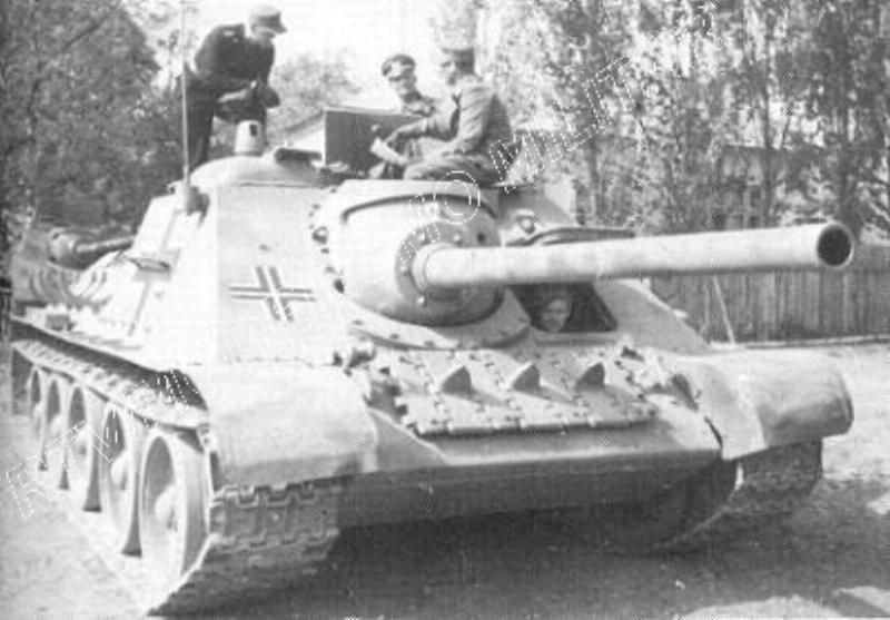 Vehiculos y Tanques capturados por los Alemanes Su-8510