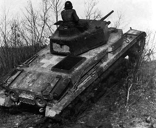 Vehiculos y Tanques capturados por los Alemanes Turan110