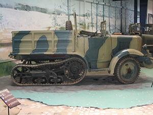 Vehiculos y Tanques capturados por los Alemanes Unic_p10