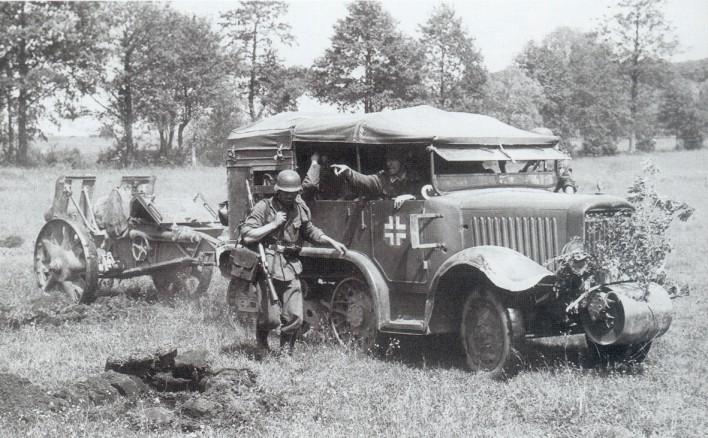 Vehiculos y Tanques capturados por los Alemanes Unicp110