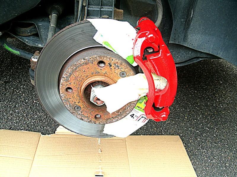 206+ matthieudu70 etrier de frein peint en rouge page 6 - Page 4 Gedc0615