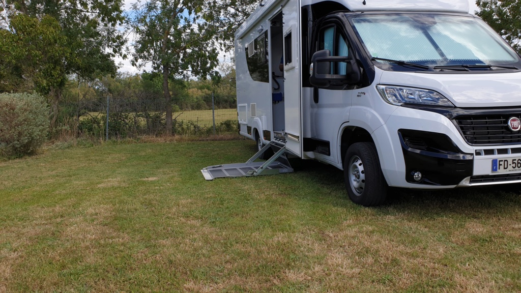 Location de camping-cars PMR  20190514