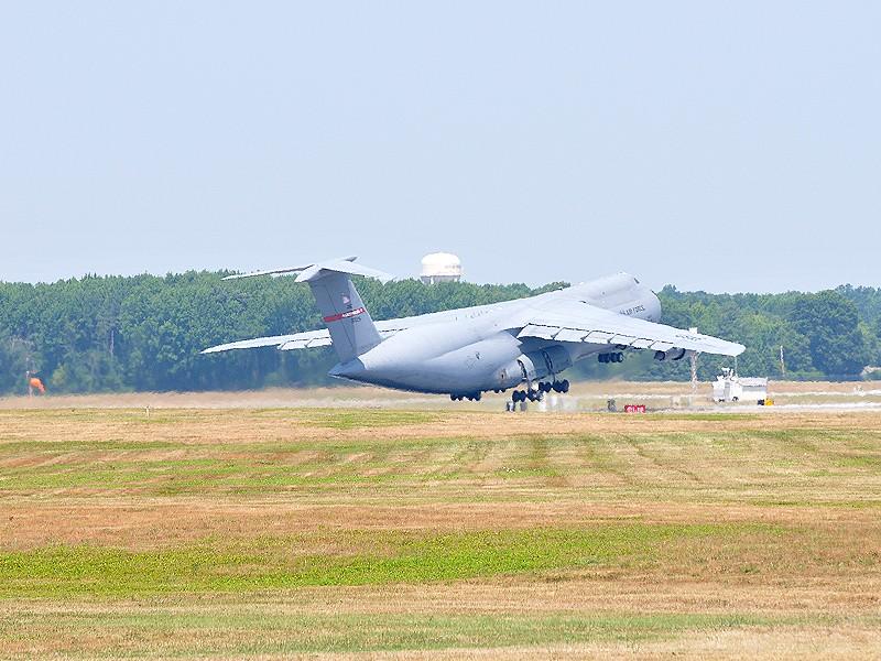 Quelque chose de différent... Dover AFB, Delaware Dover_22