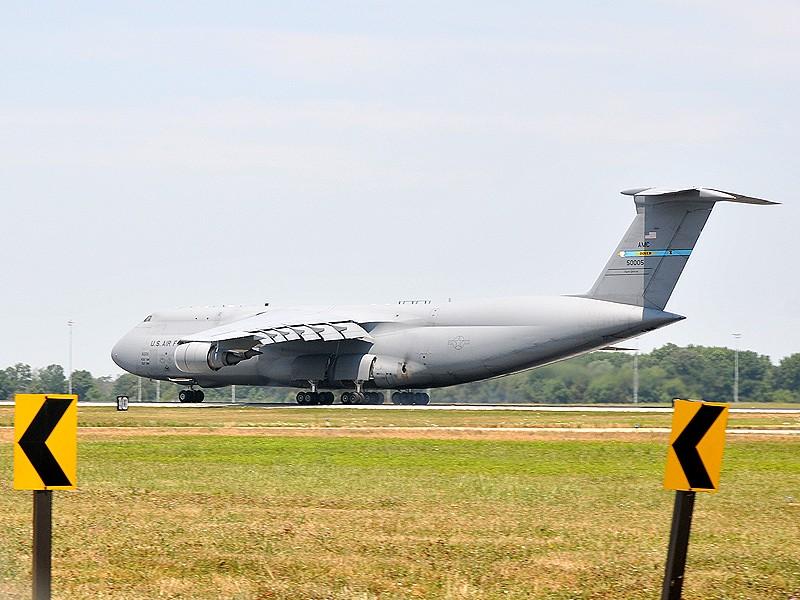 Quelque chose de différent... Dover AFB, Delaware Dover_28