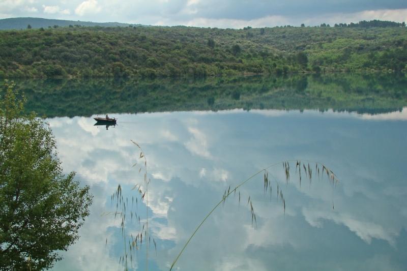 Début juin 2008 en Haute Provence - 1 Lac_de11
